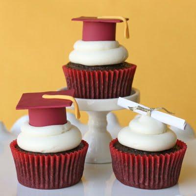 Fondant-cupcakes-graduation